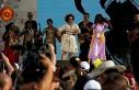 Bursa'da 23 Nisan şenliklerinde Edis ve Sertap Erener çoşkusu