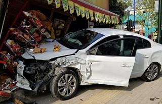 Bursa'da korkunç kaza! Hızını alamayan araç...