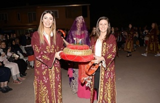 Fetih şenliklerinde Türk gelenekleri gecesi