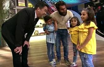 Survivor Cumali Beyaz Show'da çocuklarıyla kavuştu