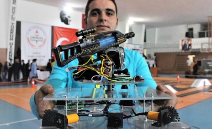 Liseli gençlerden büyük buluş... Robot asker