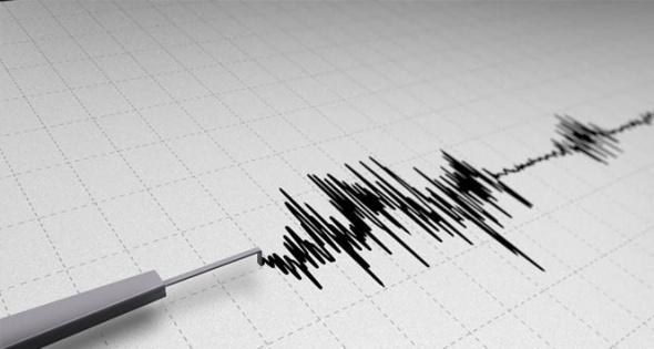 """Prof. Dr. Alper İlki, beklenen İstanbul depremine ilişkin açıklamalarda bulundu. Depreme karşı uyarılarda bulunan İlki, """"Yapıların 26 Eylül'de yaşadığımız depremdeki etkilerin mesela 8 ila 10 katı bir etkiye maruz kalması söz konusu olabilir. Bildiğimiz şey şu; bu deprem olursa İstanbul'da pek çok yapının ağar hasar göreceği, belki yıkılacağı, ilk uyarım riski bilmeleri, panik olacak bir şey yok. Yarın deprem olacak anlamına gelmiyor"""" dedi."""