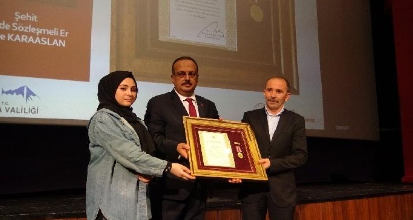 Bursa'da 15 şehit ailesi ve gaziye Devlet Övünç Madalyası verildi