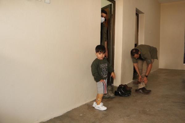 5 yaşındaki Muhammet protez bacağına kavuştu (2)- Yeniden
