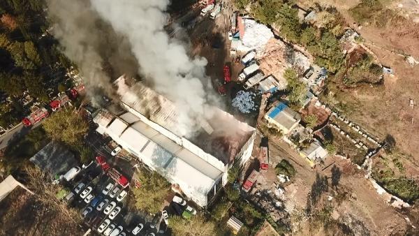 Avcılar'da geri dönüşüm tesisinde yangın-2