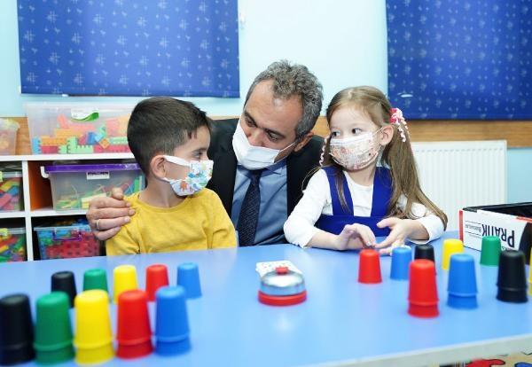 Bakan Özer: Sistem yüz yüze eğitim mekanizmasını başarılı işletiyor (2)