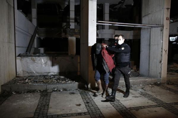Beyoğlu'nda Reza Zarrab'ın el konulan binasına dadanan hırsızlara akşam baskını