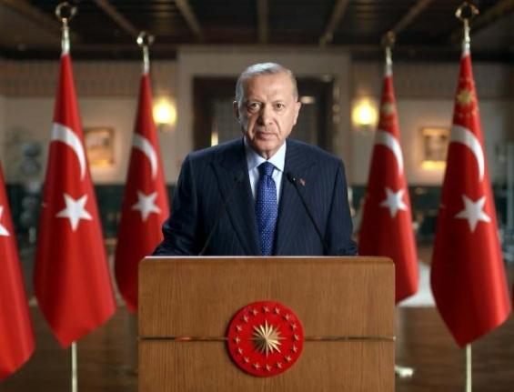 Cumhurbaşkanı Erdoğan, Hollanda'daki UID yöneticileri ve Türk gazetecilere seslendi