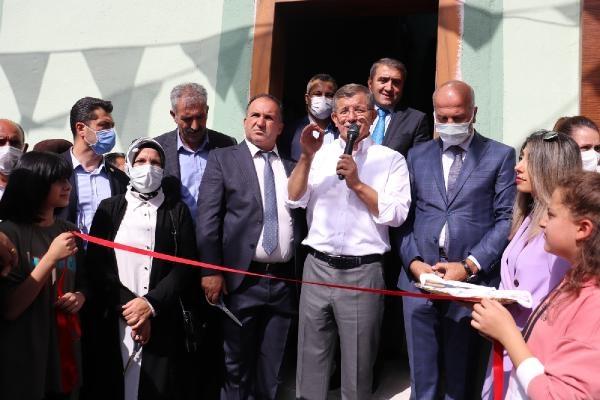 Davutoğlu, Ağrı'da partisinin il başkanlığını açtı