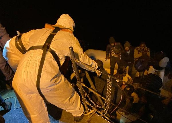 Fethiye açıklarında 36 kaçak göçmen kurtarıldı