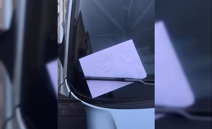 Öğrencilerin araca bıraktığı not, yavru kedinin kurtarılmasını sağladı