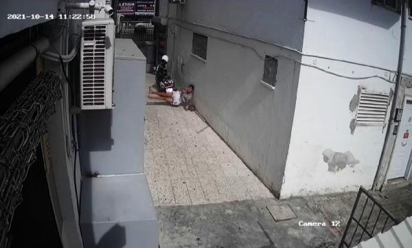 Tatile geldiği Antalya'da, 6'ncı kattan düşen Kırgız genç ağır yaralandı