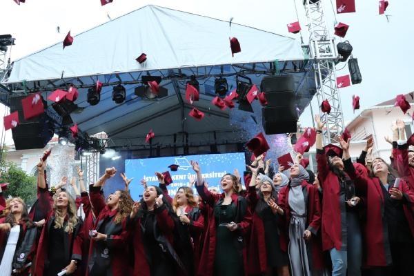 Üniversite öğrencilerinin mezuniyet heyecanı