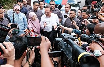 Malezya'da hükümet krizi!