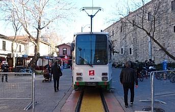 Bursa'da nostaljik tramvay çalışmaya başladı