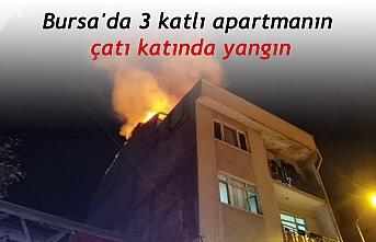 Bursa'da 3 katlı apartmanın çatı katında yangın