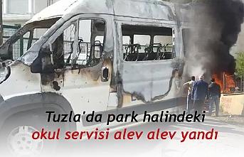 Tuzla'da park halindeki okul servisi alev alev yandı