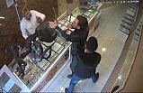 İstanbul'da silahlı kuyumcu soygunu kamerada