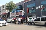 Bursa'da gelin arabası, kaleşnikof, yaralama ve soygun aynı karede