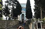 Yeşil Türbe'deki ölüm  kamerada