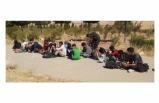 Kaçak göçmenleri otoyolda indirerek kaçtı