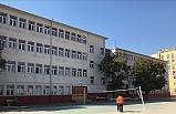 Depremden hasar gören okul boşaltıldı!