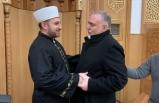 Camii'nde kelime-i şehadet getirerek Müslüman oldu