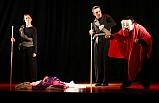 'Kafkas Tebeşir Dairesi' oyunu Mudanya'da sahnelendi