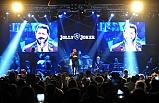 Serkan Kaya sevilen şarkılarıyla Bursalıları coşturdu