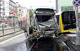 Sultangazi'de tramvay ile İETT otobüsü çarpıştı