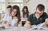 LGS'de başarılı olan öğrencilere burs imkanı