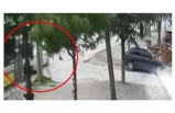 Bursa'da önünde seyir halinde olan otomobile böyle çarptı