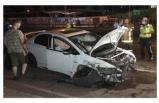 Bursa'da otomobil ve taksi çarpıştı: 2 yaralı