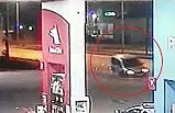 Hafif ticari araç akaryakıt istasyonuna daldı; 1 ağır yaralı