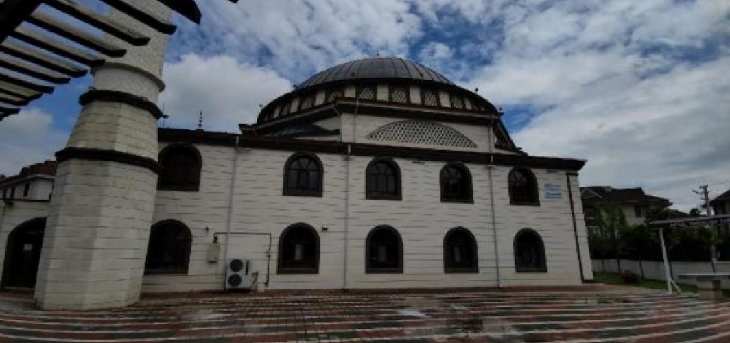 Cuma namazı hazırlığı yapılan camide hırsızlık