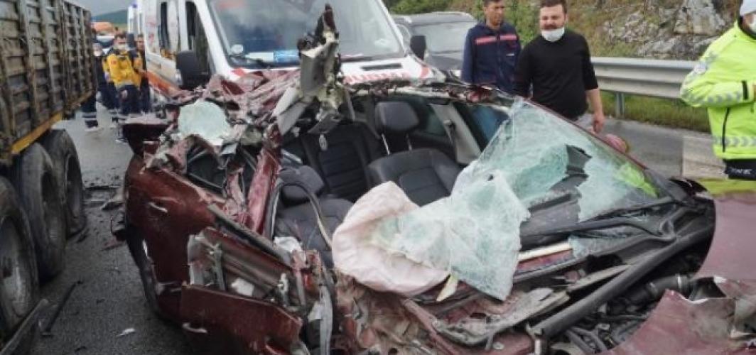 Yola dökülen motorin yüzünden 3 araç kaza yaptı!