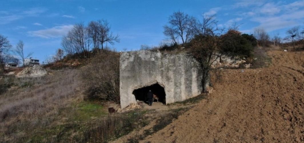 Bursa'da 2 bin yıllık kaya mezarın, Romalı soylu bir bürokrat ve ailesine ait olduğu ortaya çıktı
