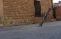 Esed rejimi İdlib'de okullara saldırdı