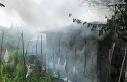 Bahçedeki samanlık alevlere mahsur kaldı