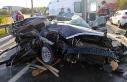 Tarsus'da otomobil kamyona çarptı: 3 ölü,...