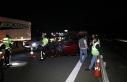 TEM'de bariyerlere çarpan otomobil takla attı:...
