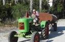 Dede yadigarı 70 yıllık traktörü çürümekten...