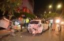 Işıkta bekleyen araçlara çarptı, kaza yerinden...