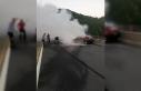 Seyir halindeyken yanan otomobile itfaiye müdahale...