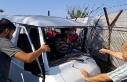 Freni boşalan minibüs elektrik direğine çarptı:...
