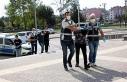2 polis ile 3 bekçiyi yaralayan 5 şüpheliden 1'i...