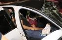 Adana'da hafif ticari araç ile otomobil çarpıştı:...