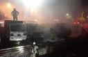 Otoparkta hurda halindeki 6 kamyonet alev alev yandı