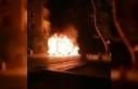 Park halindeki kamyonet alev alev yandı