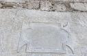Tarihi Sinop Cezaevi duvarlarında, Roma dönemi kitabeleri...